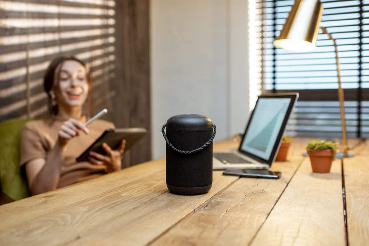 How To Make Bluetooth Speakers & Computer Speakers Play Simultaneously